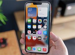 如何在 iPhone 13 系列机型上更改定位位置?
