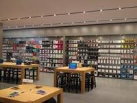 iPhone6面世前,江苏首家苹果零售店今开业