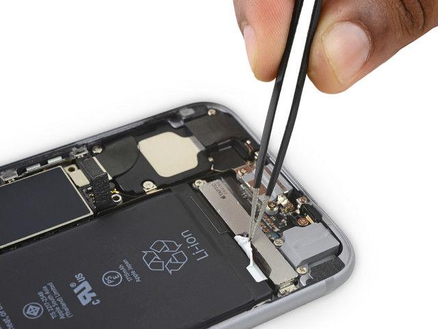 苹果实用技巧:为什么 iPhone 始终没有增加电池容量延长续航时间