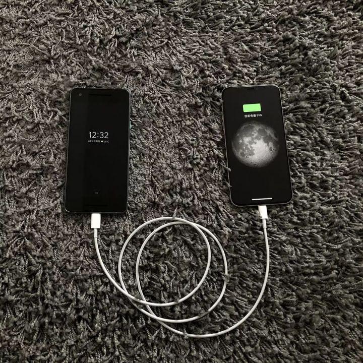 Mac 笔记本电源适配器可以为 iPhone 或 iPad 充电吗?