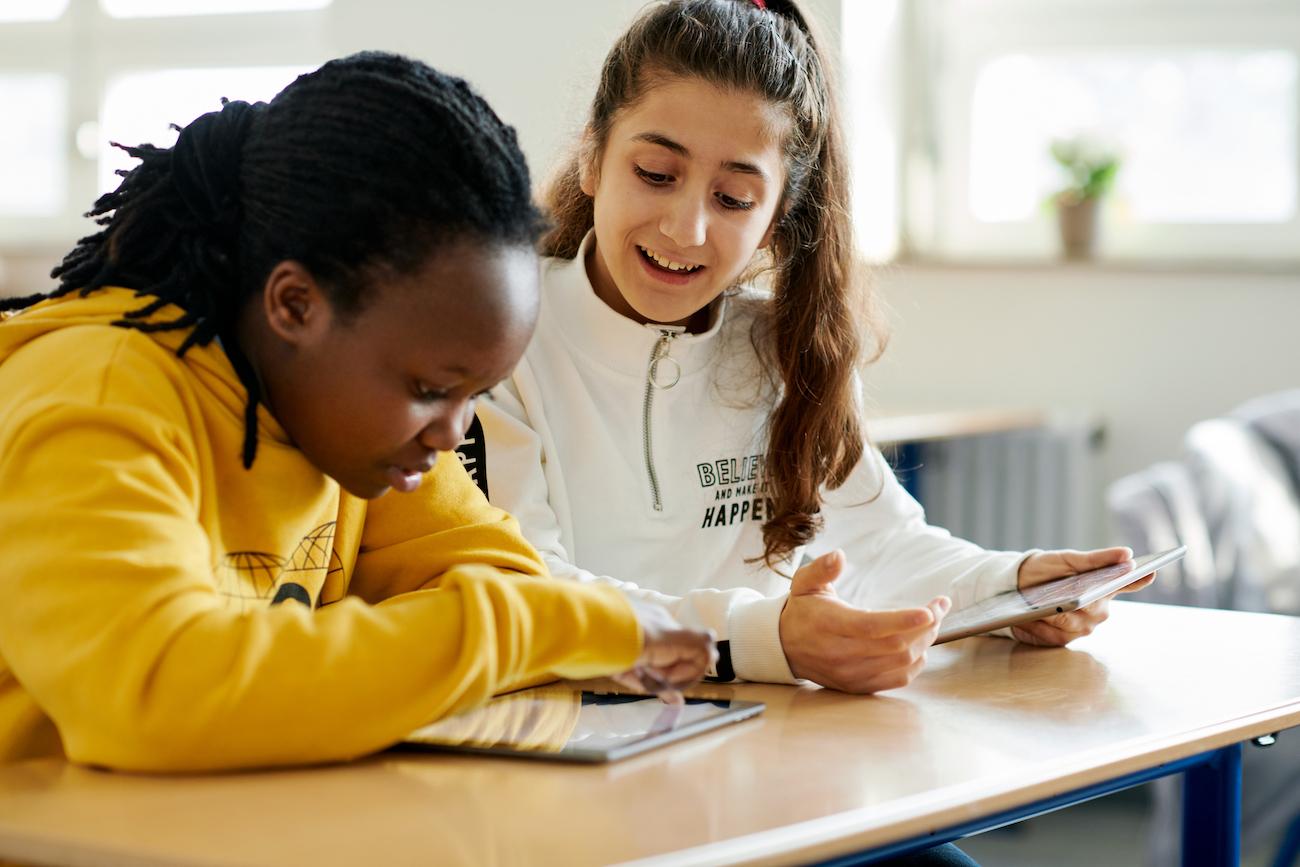 苹果新闻稿:文字难以传情达意,教师用 iPad 来辅助教学