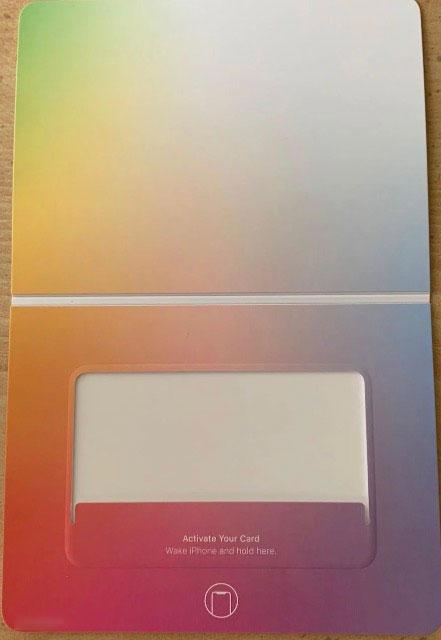 Apple Card 全新照片欣赏,重量约 14.75 克