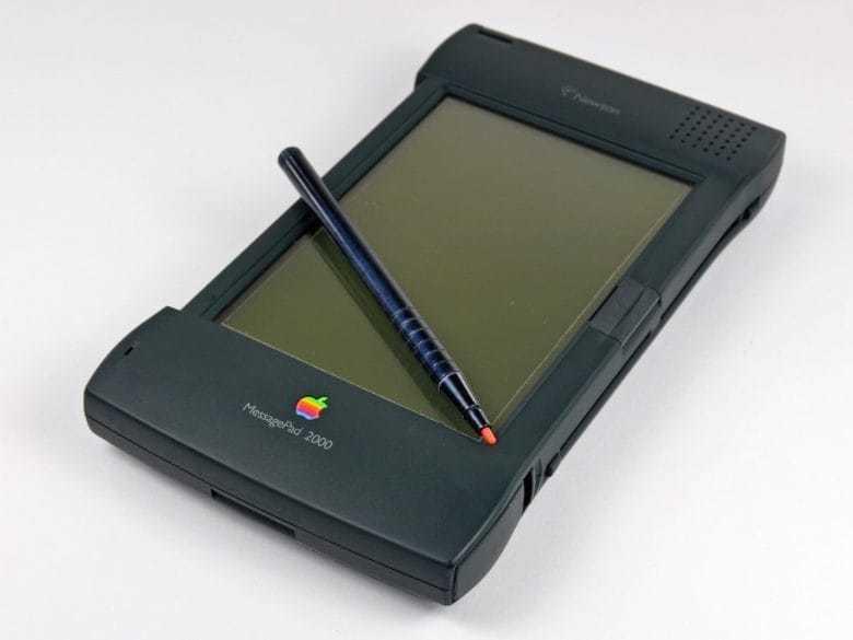 27 载转眼间,乔纳森曾为苹果带来了哪些经典设计?