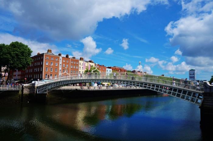 爱尔兰将苹果补交税款用于投资低风险债券