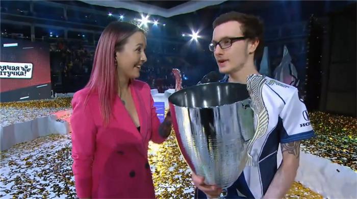 冠军没了不要紧 还有唯一采访加MVP