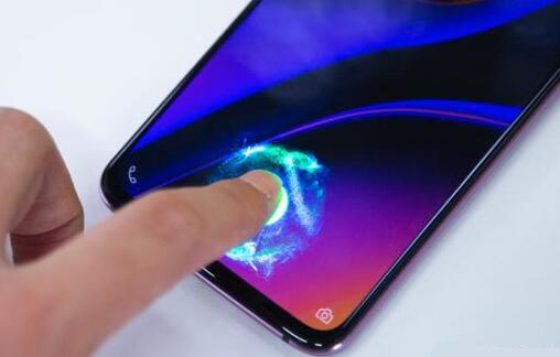 """传苹果计划两年内剪掉 iPhone """"刘海"""",采用全屏指纹识别"""