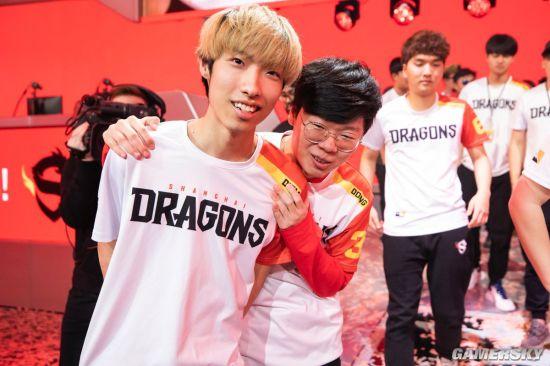上海龙之队摘得《守望先锋》联赛中国战队首个冠军!