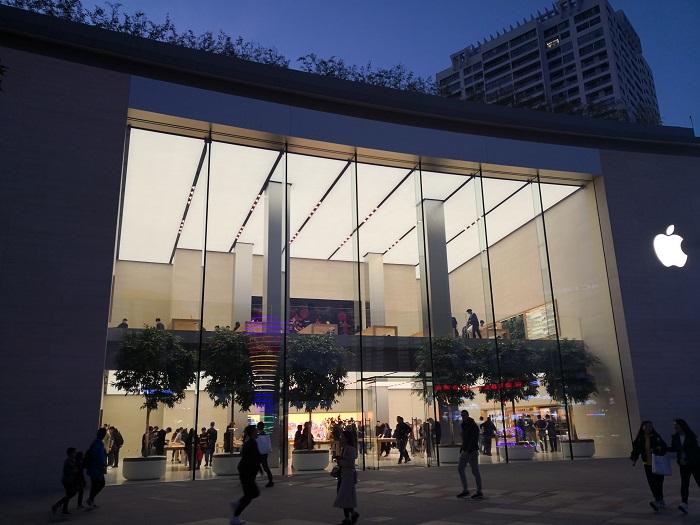 投行:苹果年度利润将受到美国新关税政策影响
