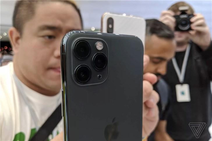 苹果 iPhone 11 Pro/Max 上手体验:亚光玻璃手感好
