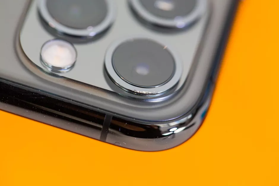 iPhone 11 Pro 耐摔吗?外媒进行了这些摔落测试