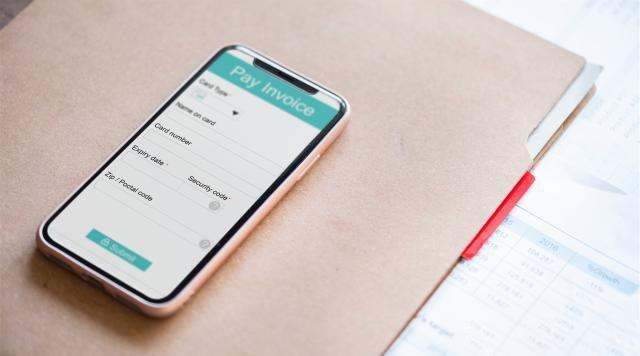 相比于第三方平台,在 Apple 官方网站购买 iPhone 有哪些优势?