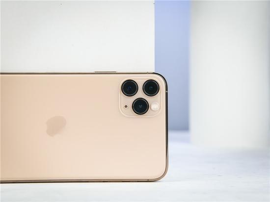 iPhone 在华很流行,但苹果不少赚钱的服务业务没落地