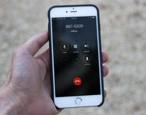iPhone手机突然打不出电话是什么问题?