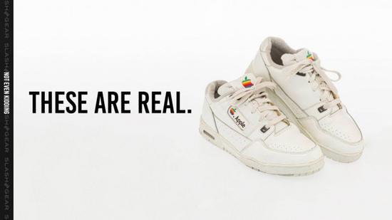 又一双限量版苹果运动鞋将被拍卖