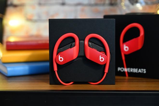 外媒分享 Powerbeats 4 上手图,售价 149 美元