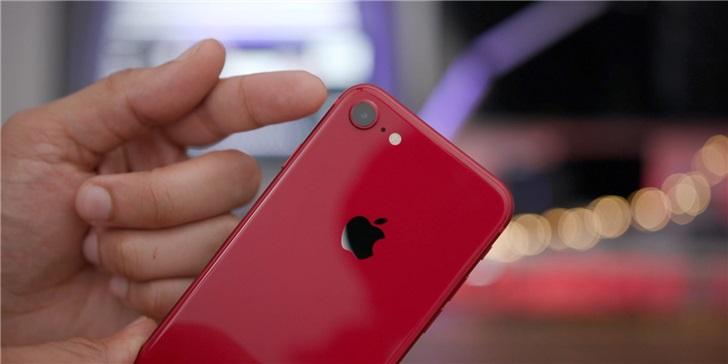 美国人口普查局将为 50 万调查员配备苹果 iPhone 8