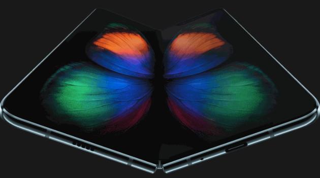 传苹果正开发可折叠 iPhone:两块屏幕连接,无刘海