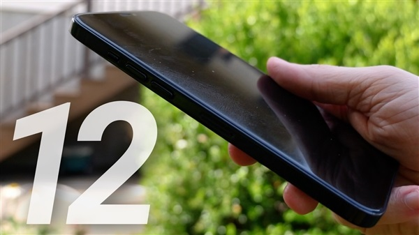 国外网友分享苹果 iPhone 12 系列机模上手图