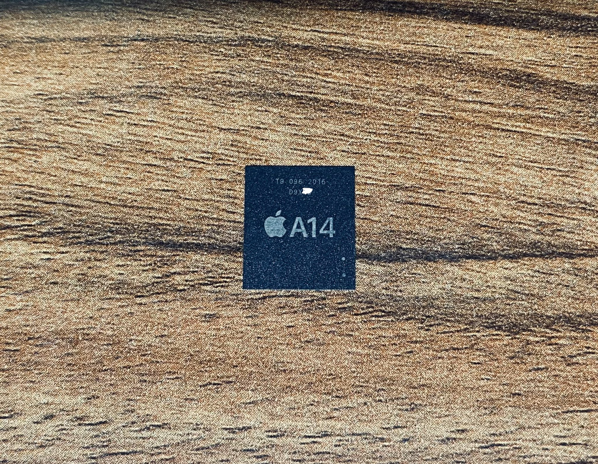 疑似 iPhone 12 A14 芯片 RAM 组件曝光