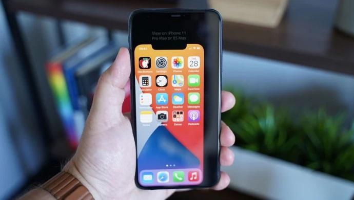 虚拟模型显示:5.4 英寸苹果 iPhone 12 机身单手可握