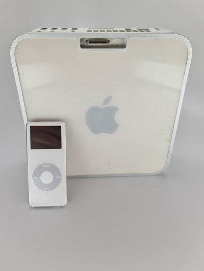 初代 Mac Mini 曝光:带有可用于 iPod nano 的底座