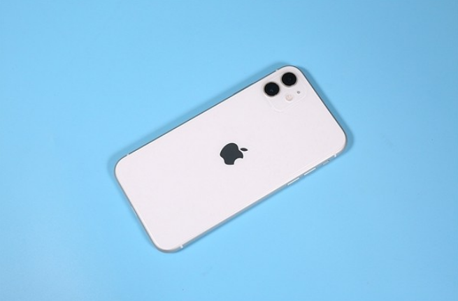 iPhone XR要降价了,还等iPhone 12吗?