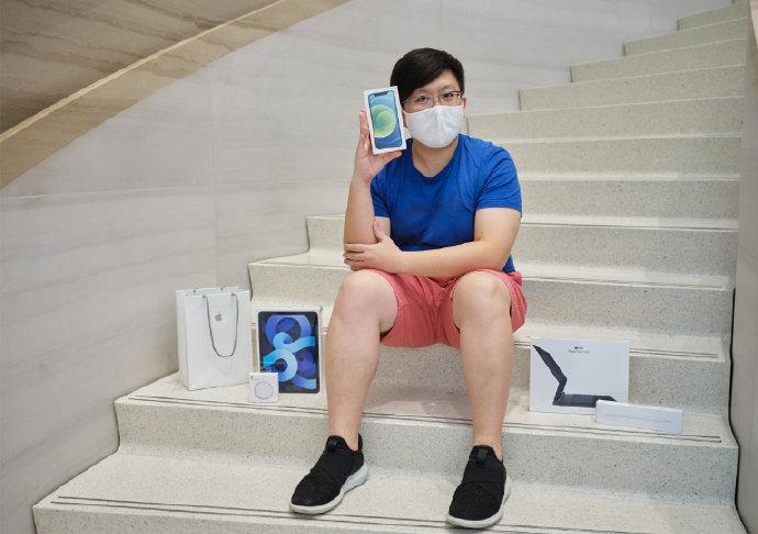 苹果在官网分享照片:iPhone 12、12 Pro、iPad Air 4 正式发售