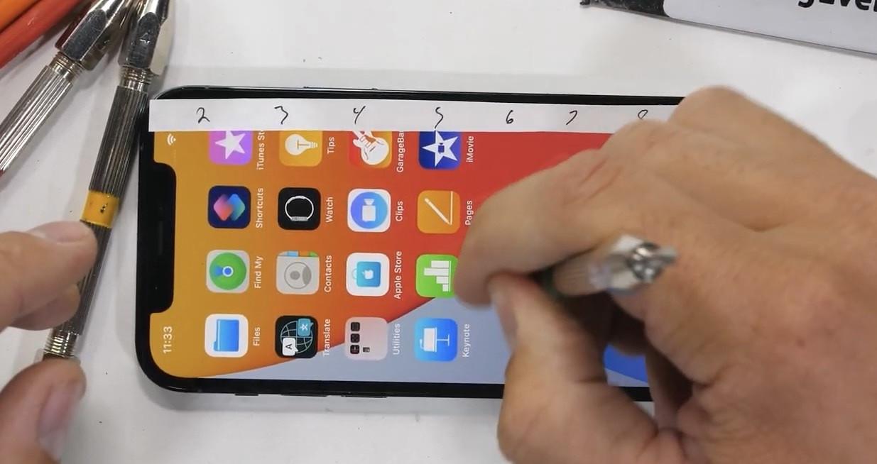 iPhone 12 Pro 超瓷晶面板刮划测试:与之前机型差别不大
