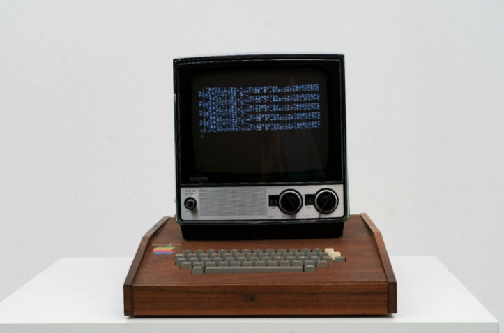 罕见 Apple 1 古董电脑出现在 eBay 网站,要价 150 万美元