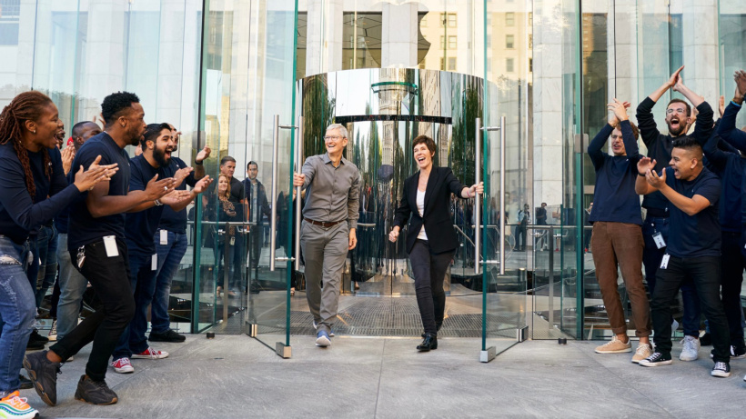 库克发文庆祝苹果零售店开业 20 周年:期待下一个 20 年