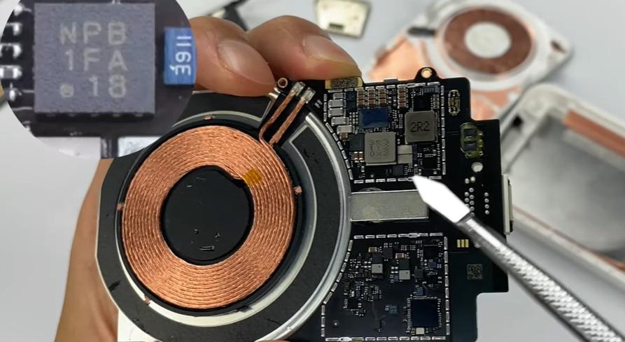 苹果全新 MagSafe 充电宝拆解:两块 5.733Wh 电池,结构精巧