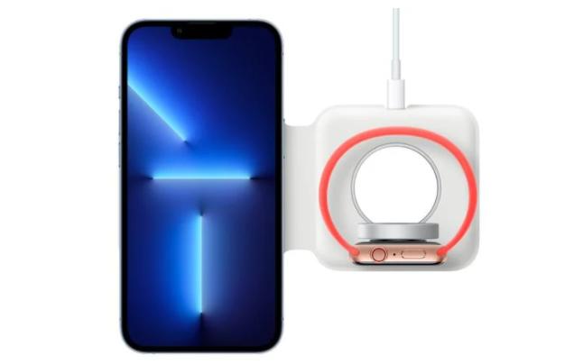 帶保護殼的蘋果 iPhone 13 Pro 無法與 MagSafe Duo 充電器完全貼合